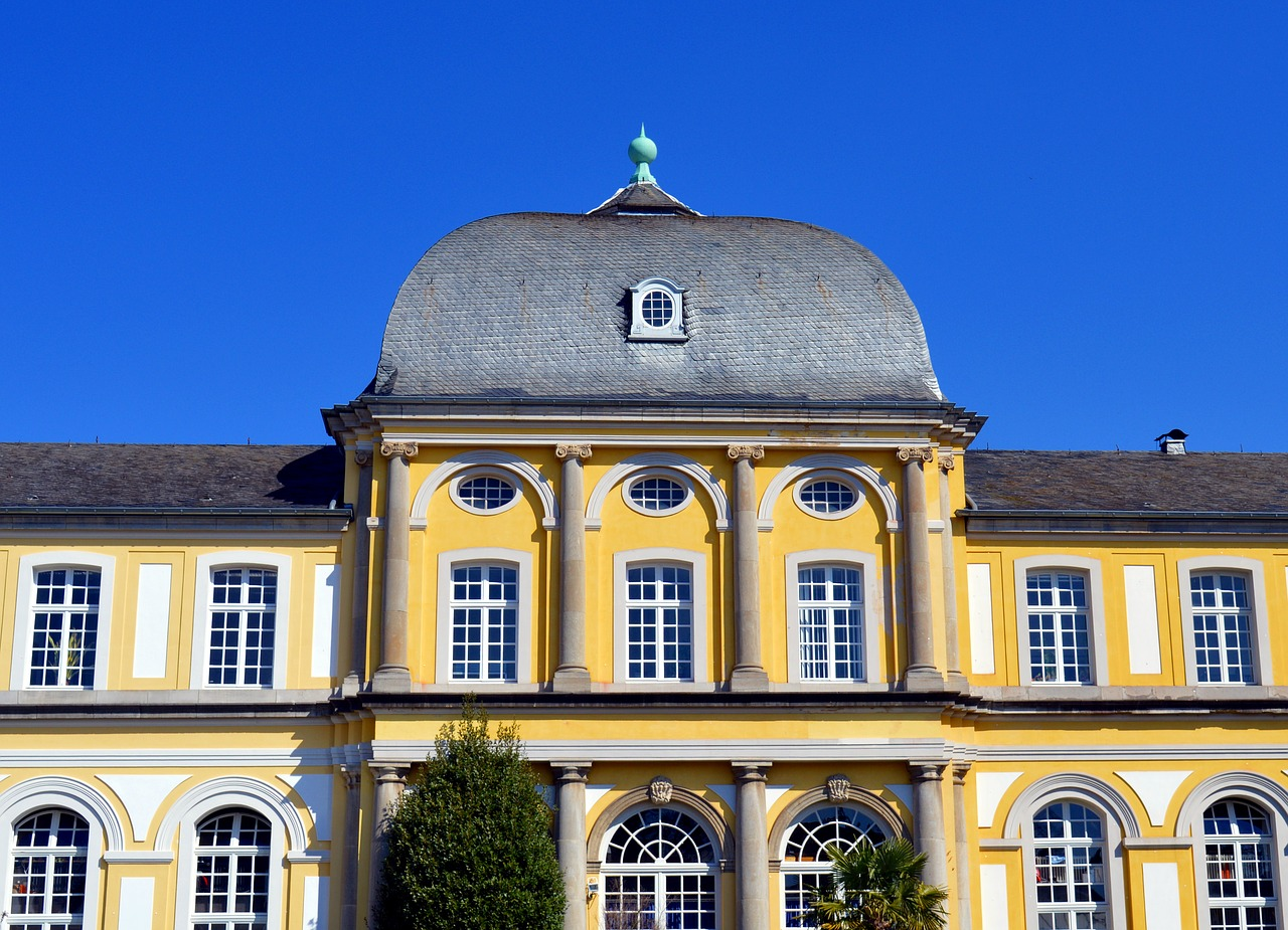 Poppelsdorfer Schloß vor blauem Himmel